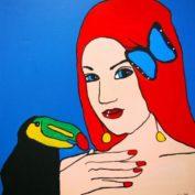 hs_186_100x100_Rothaarige Frau trifft exotischer Vogel und Schmetterling